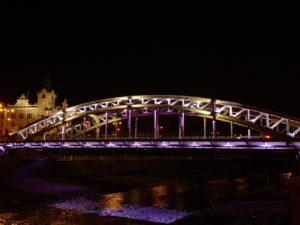Nasvícení mostu přes Ostravici v noci